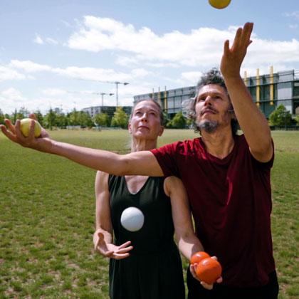 LIFE-Gandini-Juggling-420-2