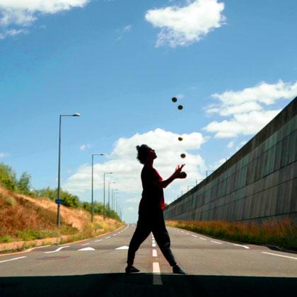 LIFE-Gandini-Juggling-420-3